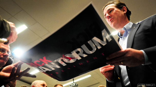 Santorum inches up in new poll
