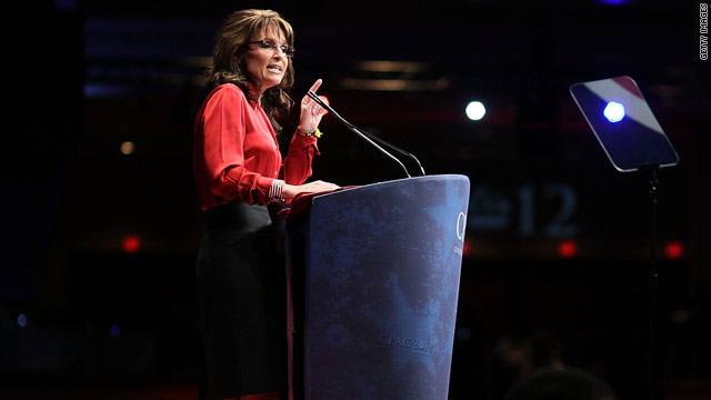 Protesters briefly disrupt Palin speech