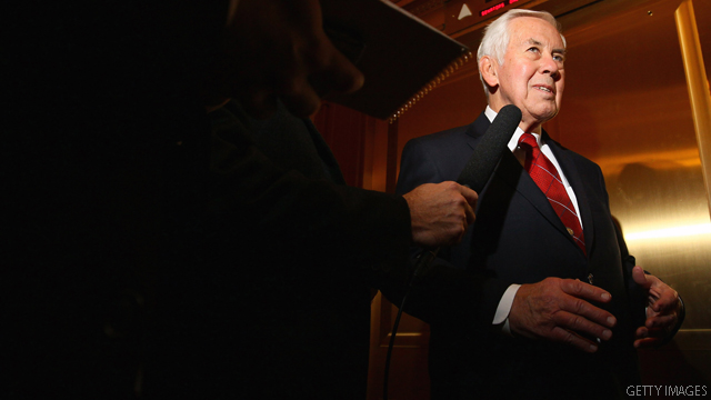 Poll shows Lugar facing uphill climb