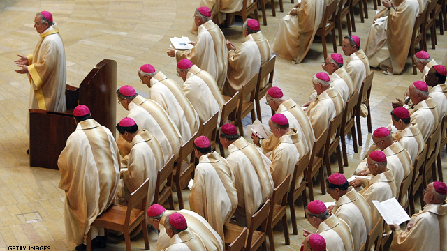 Liberal Catholics challenge bishops on Obama's contraception rule