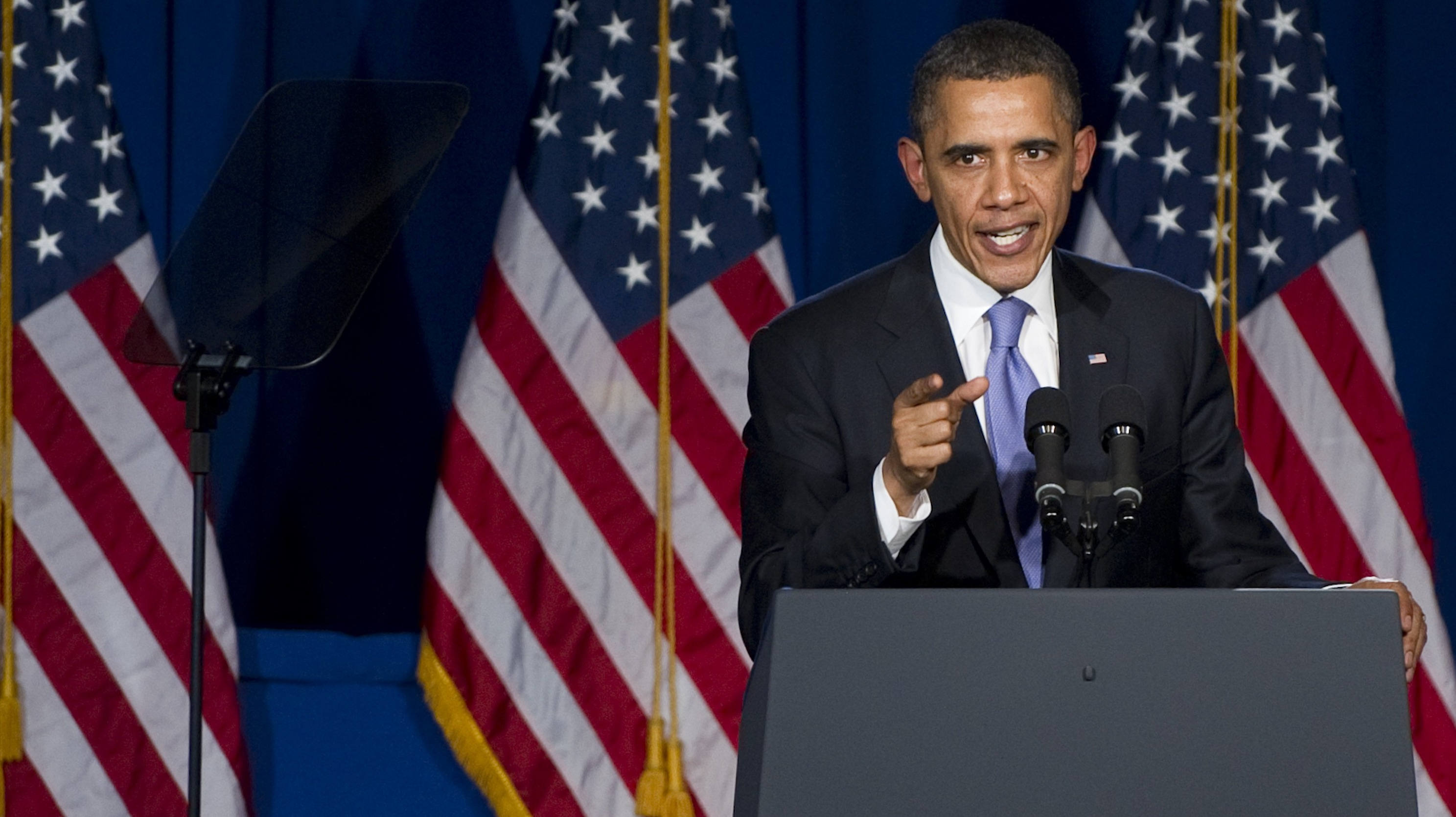 Obama says he's not bluffing on Iran nukes