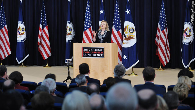 Clinton to ambassadors: Stay put