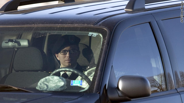 Bradley Manning's lawyer tries to get charges dismissed