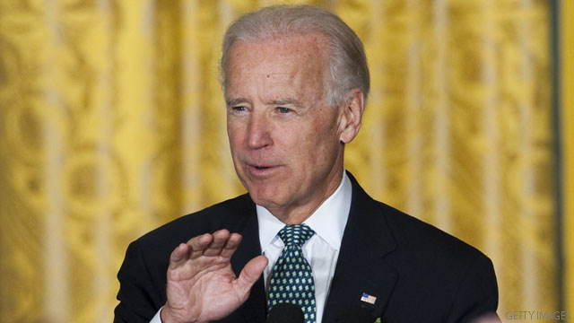 Biden takes aim at Romney in Iowa