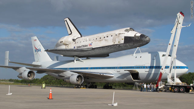 how to make space shuttle at home