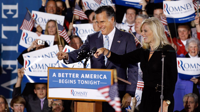 Romney speech signals turn toward Obama