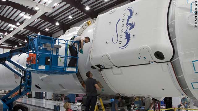 SpaceX and NASA Prepare for May 7 Launch