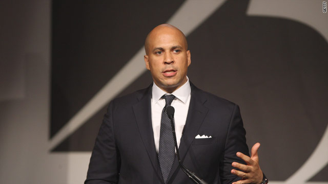 Booker won&#039;t challenge Christie, will explore U.S. Senate run instead