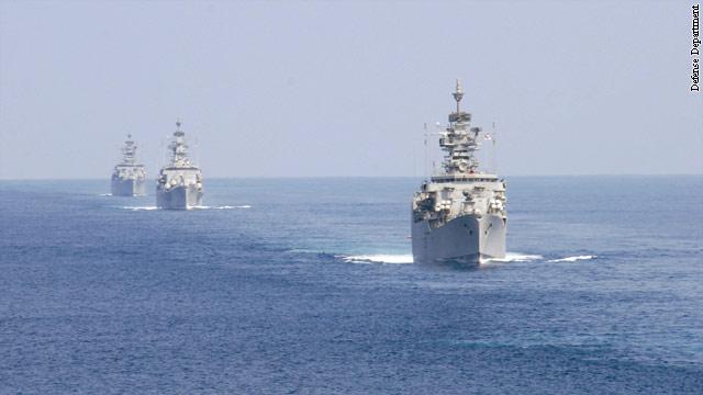 Clinton, top U.S. military leaders request passage of sea treaty