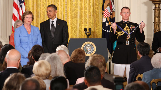 Obama welcomes Medal of Freedom recipients to White House