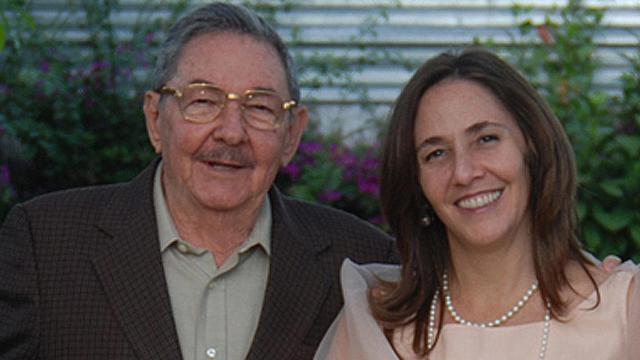 Rare, unpublished photo of Raul & Mariela Castro