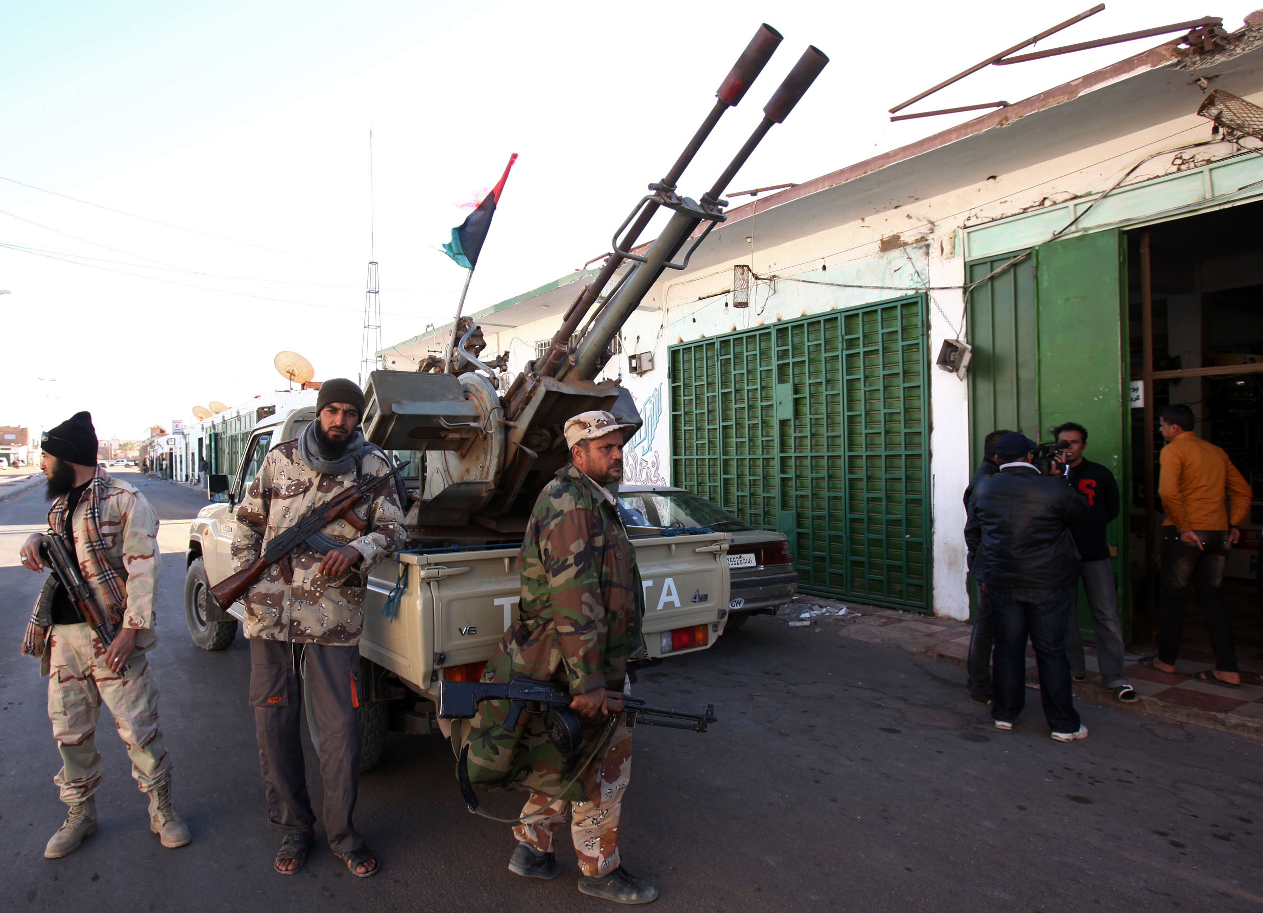 Libyan weapons falling into Somali al Qaeda's hands, U.S. official warns