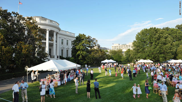 Obama thanks families at congressional picnic