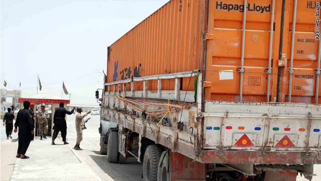Supply routes from Pakistan into Afghanistan resume