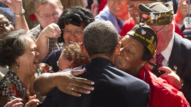 Obama pays tribute to Colorado shooting veteran victims
