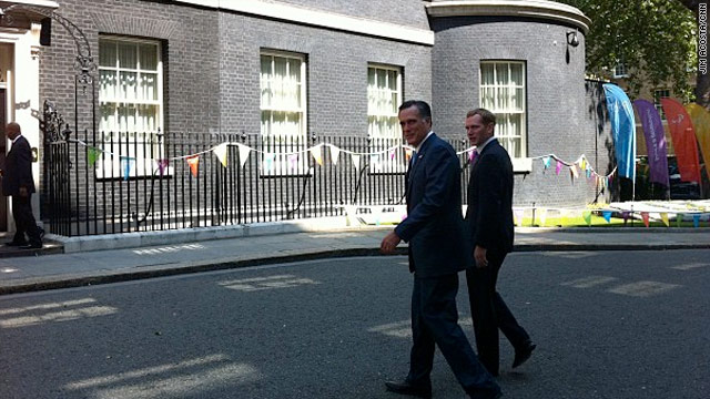 Photo: Romney arrives at 10 Downing Street