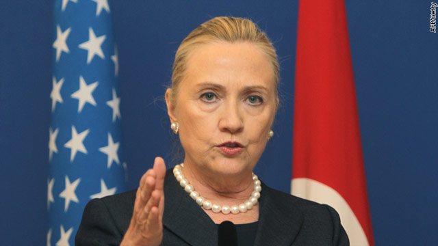 Syrian crisis: Clinton talks contingency plans with Turkey