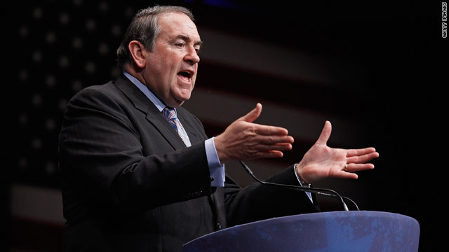Huckabee rallies Missouri pastors to Akin's side, attacks GOP establishment