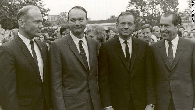 Political figures react to Neil Armstrong's death