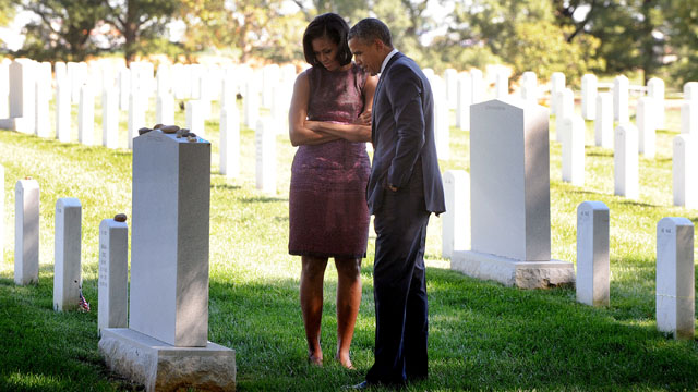Obama visits Arlington National Cemetery