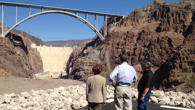 Obama takes field trip to the Hoover Dam