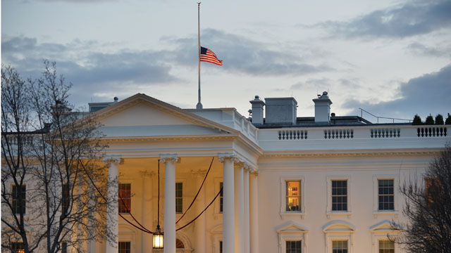 Obama participates in moment of silence for Newtown