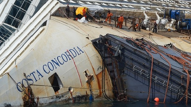 Can Crews Raise The Costa Concordia?
