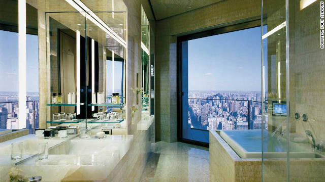 This 400-square-meter Ty Warner Penthouse Suite tops the entire top floor of the Four Seasons Hotel, offering a 360-degree view of the Manhattan skyline.