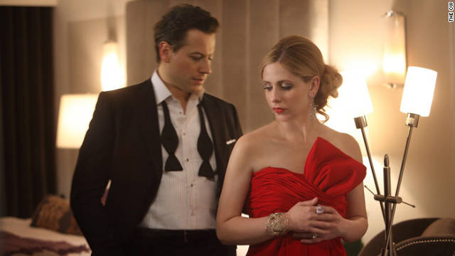 Sarah Michelle Gellar and Ioan Gruffudd star in The CW's