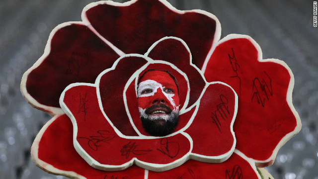 The England team proudly display a rose on their team crest, with this fan taking it one step further.