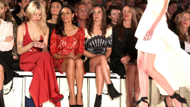 Pippa Middleton (center) was wearing the