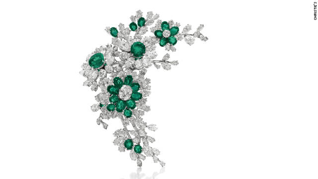 This diamond and emerald Bulgari brooch was one of a suite of dazzling gifts Burton made to Taylor.