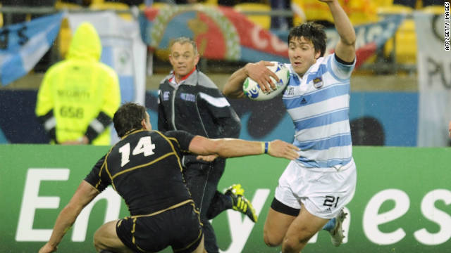 Lucas Gonzalez Amorosino weaves inside Max Evans to score the only try of the game for Argentina