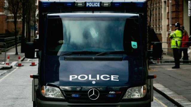 Gran Bretaña juzga a seis sospechosos de terrorismo
