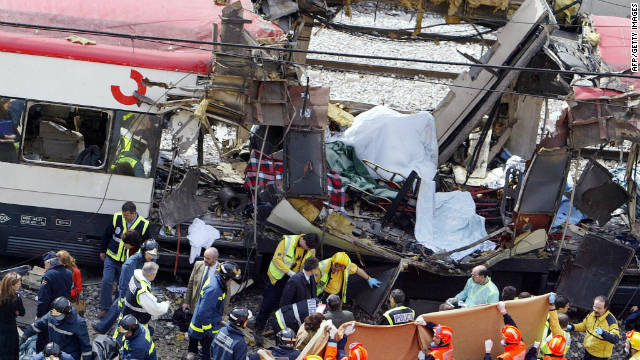 Spanish police have arrested more than 400 suspected al Qaeda militants or collaborators since the Madrid train bombs.
