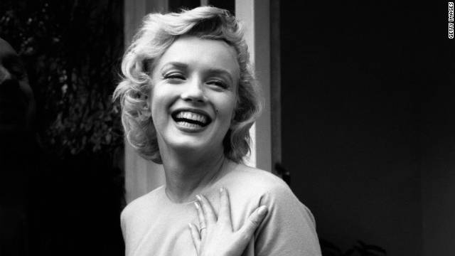 Marilyn Monroe's wedding ring joins auction