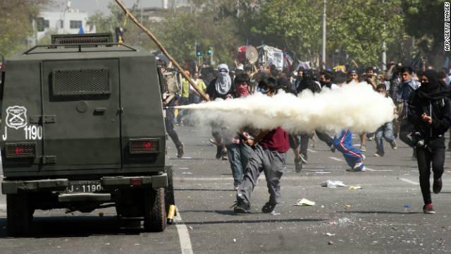 Disturbios durante una nueva manifestación estudiantil en Chile