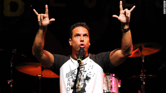 Dane Cook sitcom in development