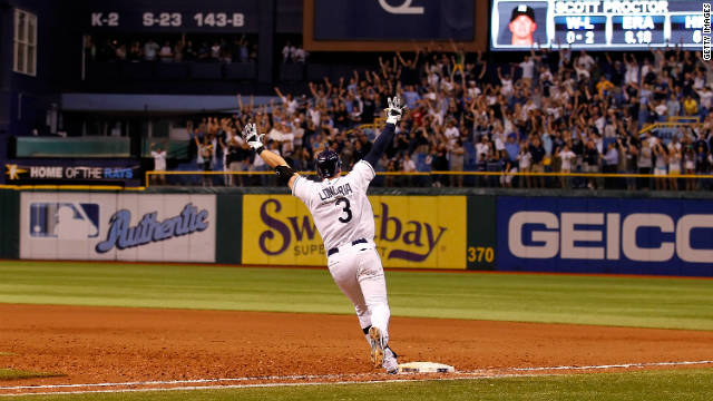 Evan Longoria sparks pandemonion among Rays fans by hitting the winning home run.