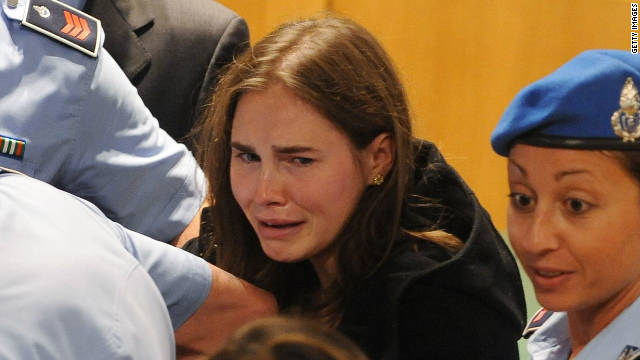 111004124004 amanda knox freed story top Amanda Knox exonerated in Kerchers Murder