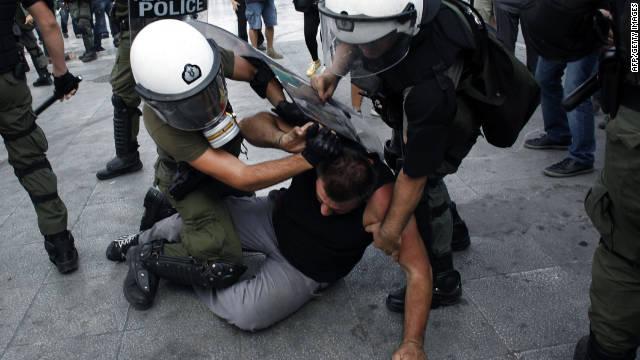 Violentos disturbios en Grecia en el primer día de la huelga general