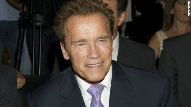 Arnold Schwarzenegger unveils statue of himself