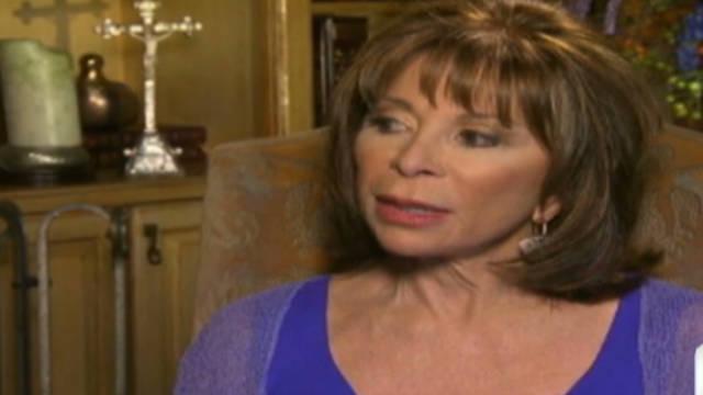 La escritora Isabel Allende exhorta a las mujeres a cambiar el mundo