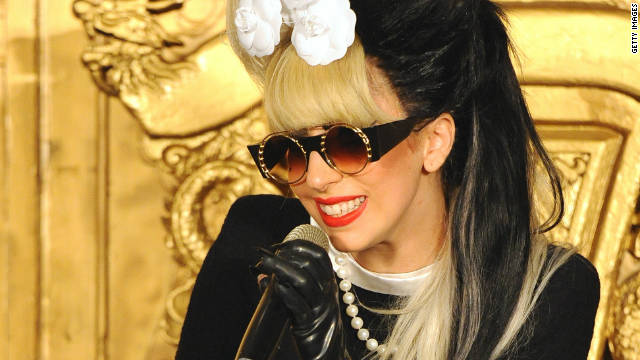 Gaga presents UK host with a sheep named Kevin