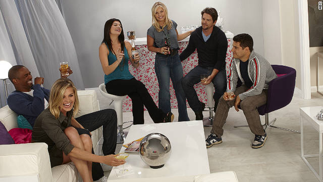 'Happy Endings' cast happy to push the envelope