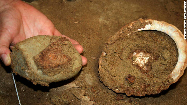 100,000-year-old art studio uncovered