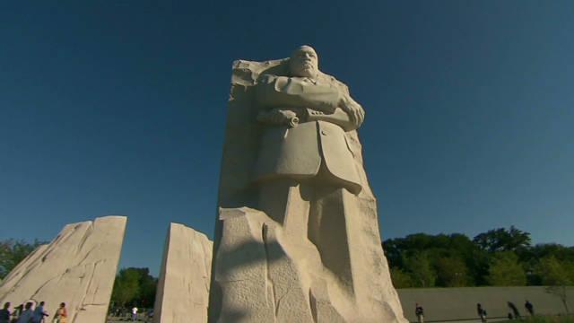EE.UU. recuerda a Martin Luther King Jr. con un monumento de nueve metros