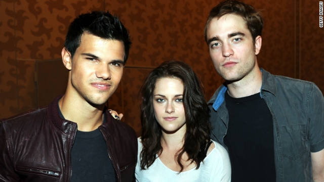 'Twilight' stars to leave prints at Grauman's Chinese Theatre