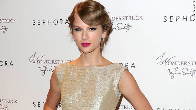 Taylor Swift's CoverGirl ad pulled