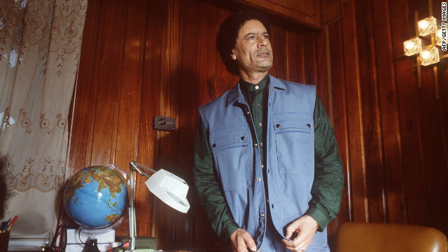 Gadhafi speaks to reporters at a meeting of the High Command of the Revolutionary Forces of the Arab Nation in February 1986 in Tripoli.
